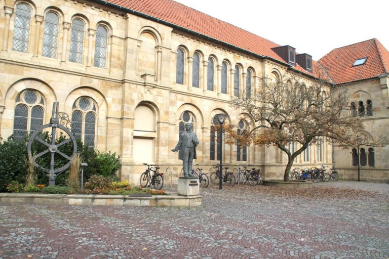 Neue Niederlassungen Wentzel Dr. in Osnabrueck (Foto: Fotolia)