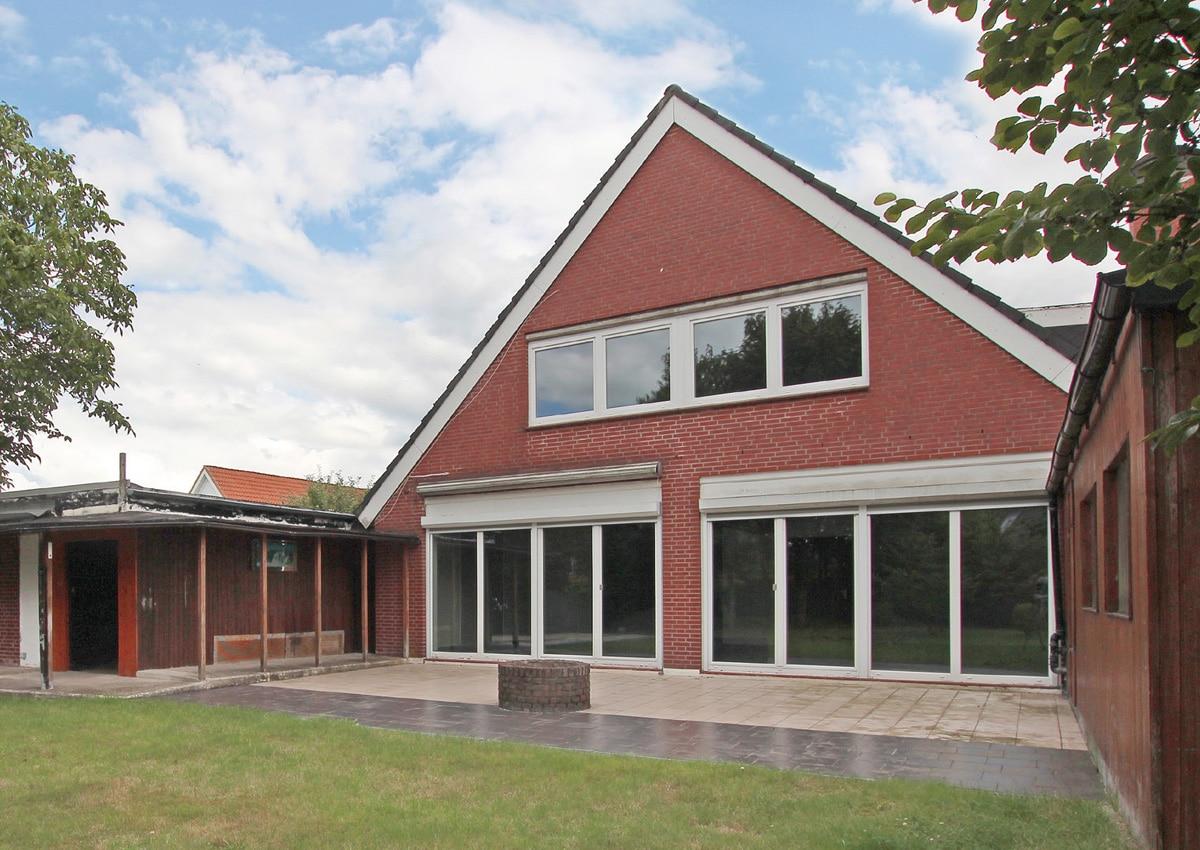 Angebotspreis: 329.000,- € • Wohnfläche ca. 230 m²