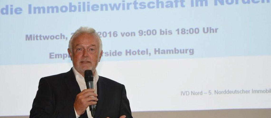 Wolfgang Kubicki, Fraktionschef der FDP im Kieler Landtag, beim Norddeutschen Immobilientag 2016 des IVD Nord. Bild Feldbaus