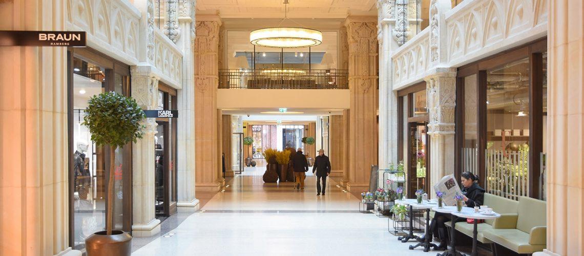 Edel, aber recht wenig frequentiert – die Einkaufspassage der Kaisergalerie.