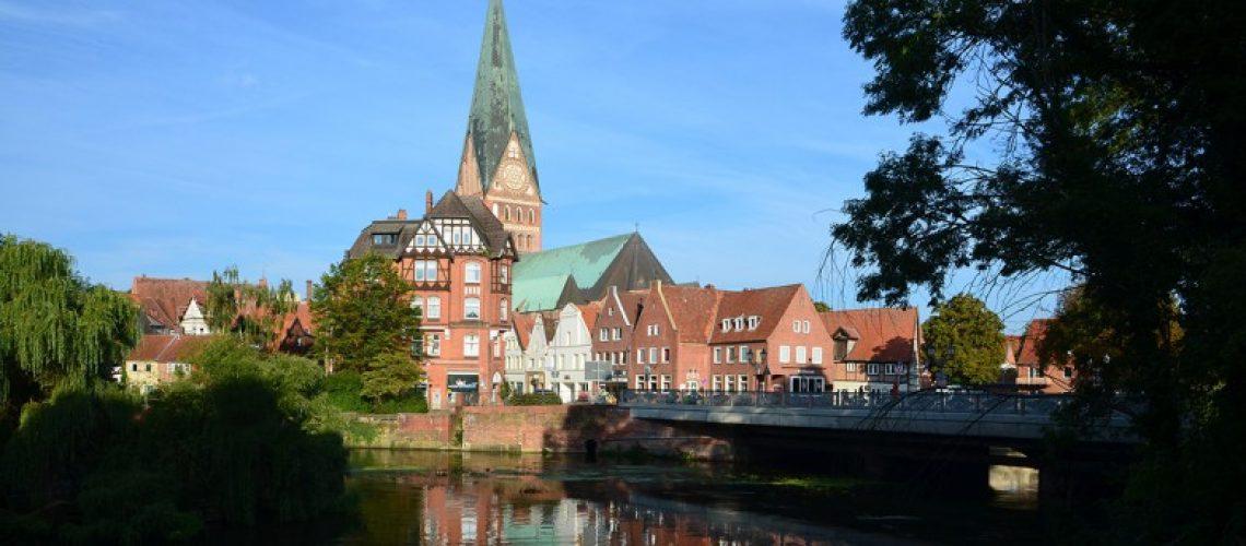 Auch in der wachsenden Hanse- und Universitätsstadt Lüneburg gibt es nun eine Mietpreisbremse, aber keinen Mietspiegel. Bild: Feldhaus