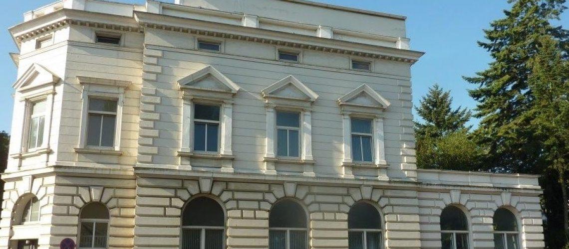 Landeszentralbank in Harburg, Wentzel Dr. Referenz Zinhausverkauf