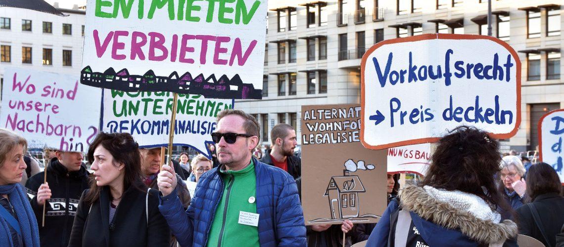 Bundesweit wird gegen steigende Wohnkosten demonstriert.