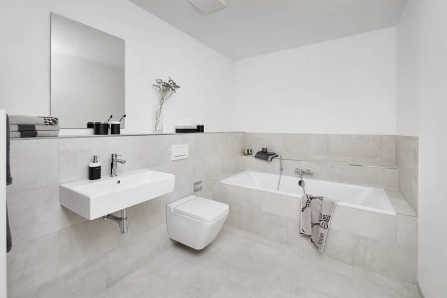 Terrassen-Maisonette am Alsterpark - Erstbezg mit Bad en Suite und großer Ankleide! - Bsp. Vollbad