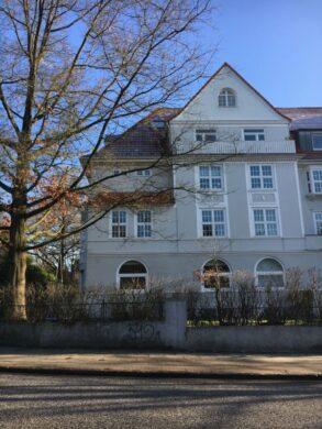 Großzügiger Altbau in Othmarschen!, 22607 Hamburg, Etagenwohnung
