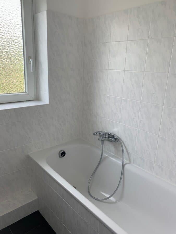 Erstbezug nach Sanierung - Einziehen fertig los - Tolle Familienwohnung - Badezimmer