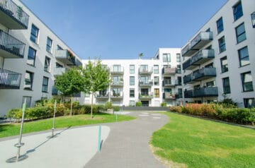 lichtdurchflutete 5- Zimmerwohnung mit Balkon für die ganze Familie!, 22303 Hamburg, Etagenwohnung