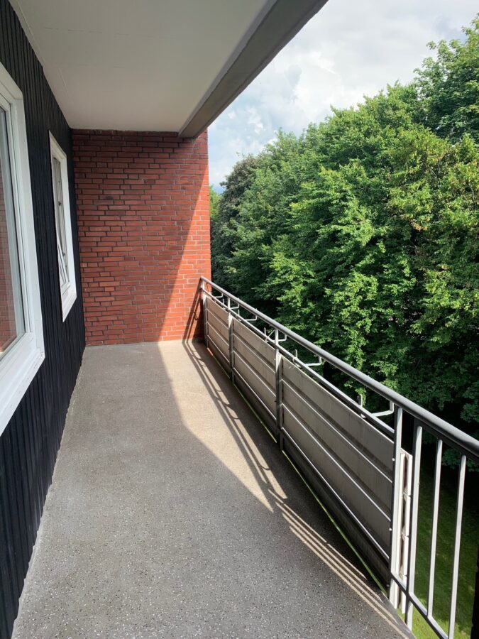 Erstbezug nach Sanierung - Einziehen fertig los - Tolle Familienwohnung - Balkon