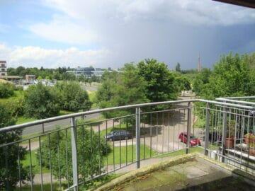 Mit Weitblick: Schöne 2 Zimmer Wohnung mit Balkon in ruhiger Lage!, Florentine-Eichler-Straße 4<br>51067 Köln<br>Etagenwohnung