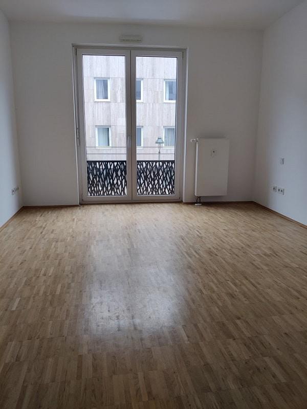 Helle 2 Zimmer Wohnung mit Dachterrasse - Bsp. Zimmer