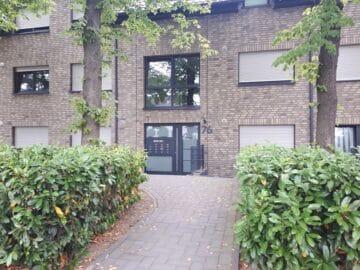 Gemütliche Erdgeschosswohnung mit Terrasse, 40225 Düsseldorf, Erdgeschosswohnung