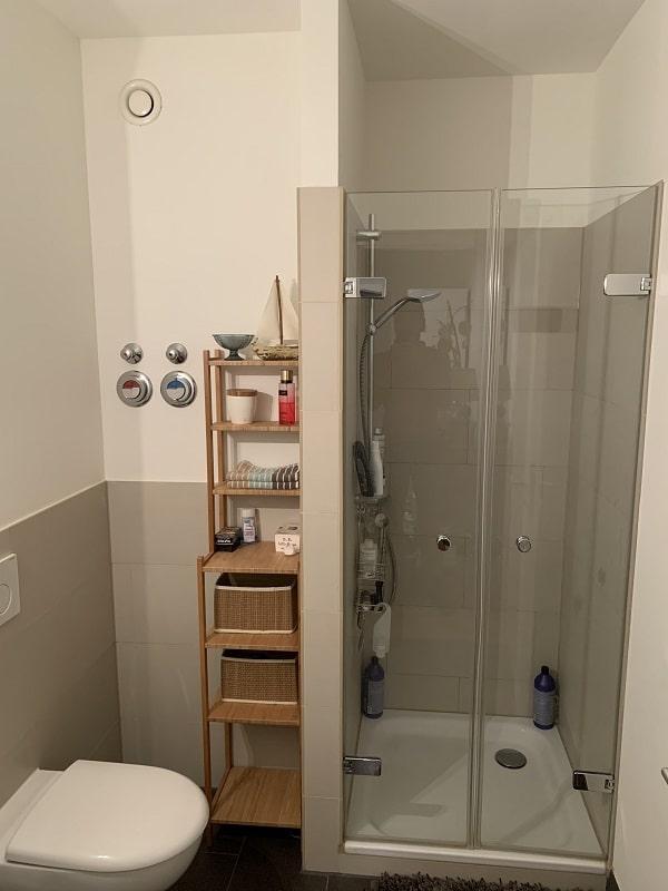 3 Zimmer Wohnung in Pempelfort - Duschbad