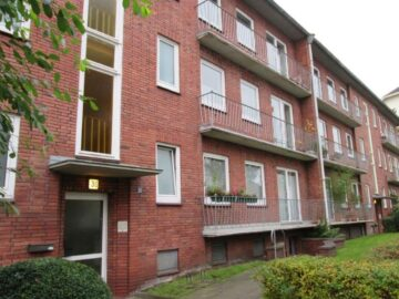 Schöne 2,5-Zimmer-Wohnung mit zwei Balkonen mitten in Blankenese, 22587 Hamburg, Etagenwohnung
