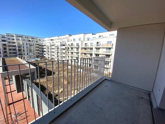 Anklicken, Besichtigen, Anmieten! Schicke Wohnung für eine kleine Familie! - Bild
