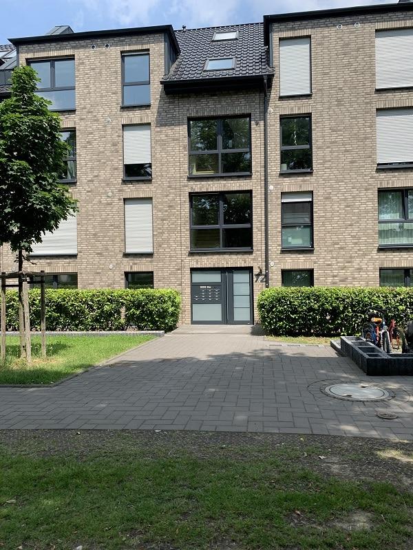 Moderne 3 Zimmer Wohnung mit Balkon - Außenansicht