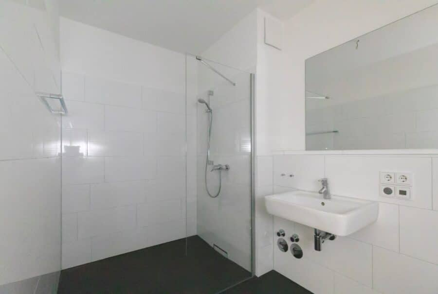 Schicke 2 Zimmer Wohnung im Hanseviertel - Duschbad