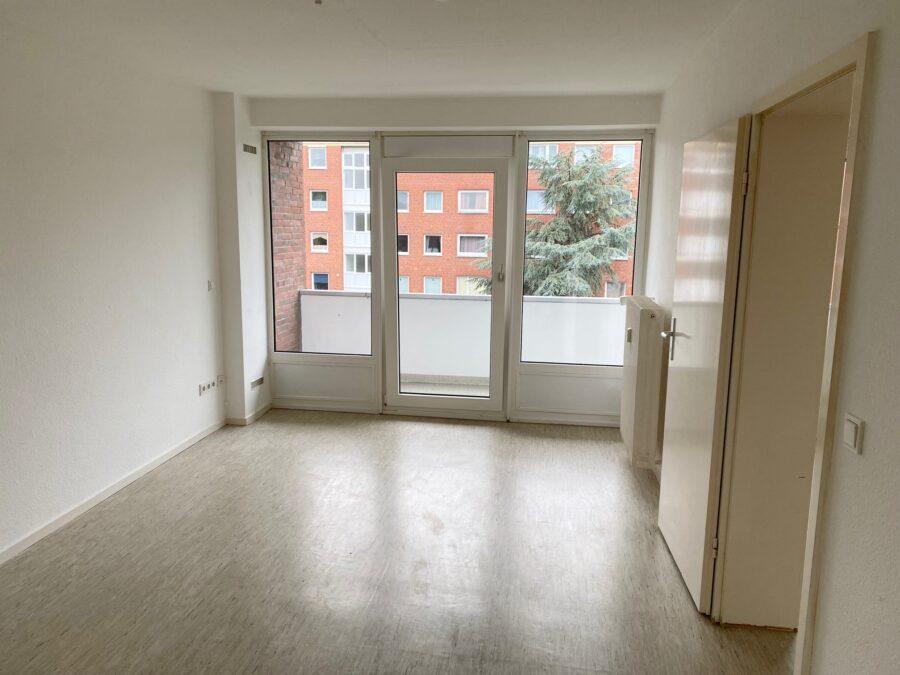 Gut geschnittene 2,5-Zimmer-Wohnung nahe dem Stadtzentrum Schenefeld - Zimmer 1