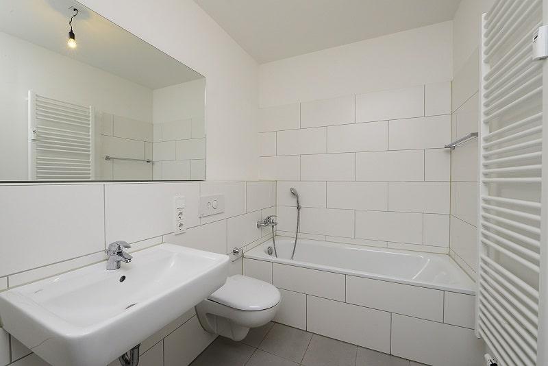 Helle 2 Zimmer Wohnung mit Dachterrasse - Bsp. Bad