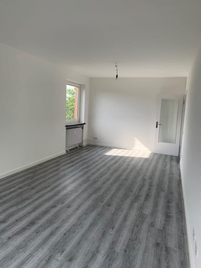 Erstbezug nach Sanierung - Einziehen fertig los - Tolle Familienwohnung - Wohnzimmer