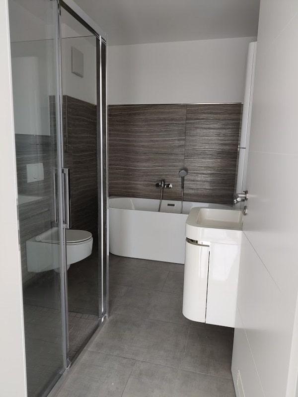 Moderne 3 Zimmer Wohnung mit Balkon - Badezimmer
