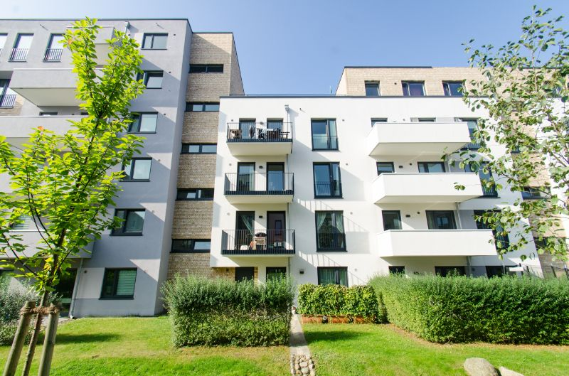 reserviert: Schönes Zuhause für die komplette Familie in ruhiger Lage - Außenansicht
