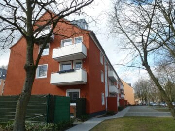 Großzügige 3 Zimmer Wohnung mit zwei Balkonen, Plankstraße 21<br>41462 Neuss<br>Erdgeschosswohnung