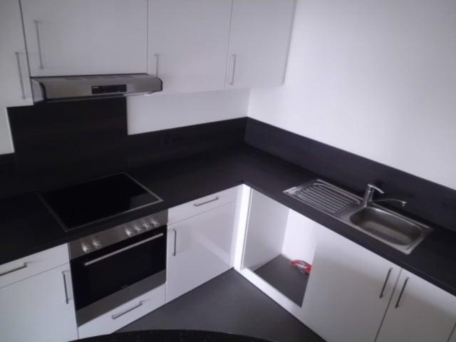 Geräumige Neubauwohnung mit Terrasse - Küche