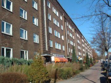 Erstbezug nach Sanierung – Einziehen fertig los – Tolle Wohnung in zentraler Lage, Fuhlsbüttler Straße 293<br>22307 Hamburg<br>Etagenwohnung