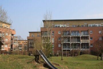 Großzügig geschnittene 3 Zimmer Wohnung mit Balkon in gepflegter Wohnanlage, 51067 Köln, Etagenwohnung