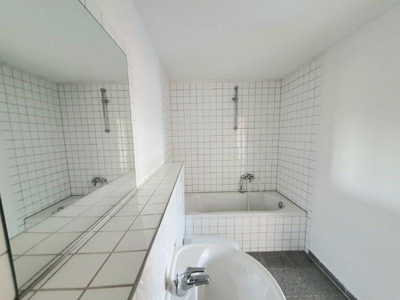 Singles hergeschaut! 1 Zimmer Wohnung mit Balkon - Beispiel Wannenbad