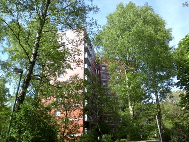 3-Zimmerwohnung mit Balkon und tollem Ausblick über Wedel - Außenansicht