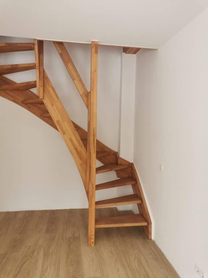 Ideale Singlewohnung auf 2 Etagen - Treppe nach oben