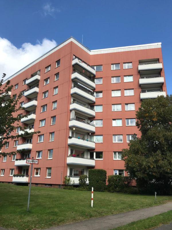 Frisch modernisierte 3 Zimmer Wohnung mit tollem Ausblick - Außenansicht