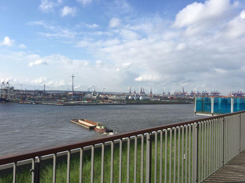Ein WohnTRAUM an der Elbe wird wahr! - Ausblick Dachterrasse