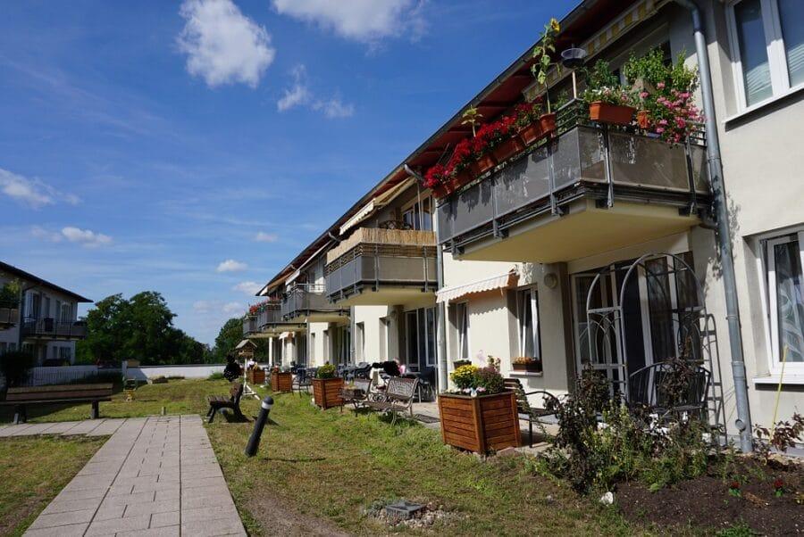 Nahe der Saale Wohnen - Aussenansicht Innenhof