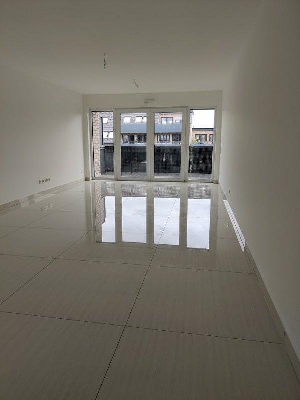 Moderne 3 Zimmer Wohnung mit Balkon - Wohn- Essbereich