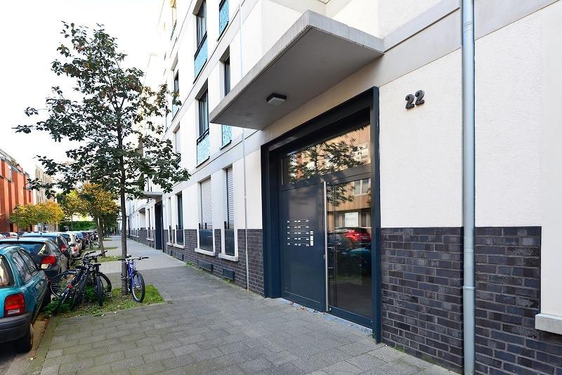 Helle 2 Zimmer Wohnung mit Dachterrasse - Außenansicht